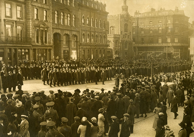 Volunteers parade in Norwich Market Place 28th February 1915            arket Place 28 feb 1915