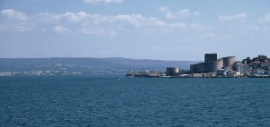 The Dardanelles viewed towards the Asian shore withe the fortress of the Kilitbahir Kalesi in the foreground (2010).