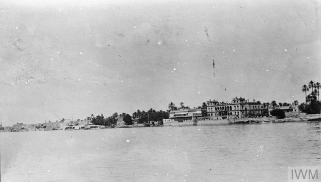 THE MESOPOTAMIAN CAMPAIGN, 1916-1918 (Q 25177) The British Residency, Baghdad, as seen from the River Tigris, 1917. Copyright: © IWM. Original Source: http://www.iwm.org.uk/collections/item/object/205266616