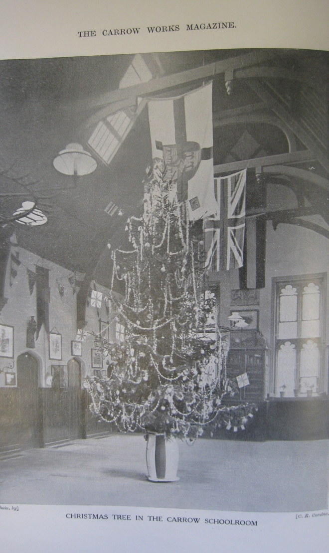 christmas-tree-in-carrow-schoolroom-02