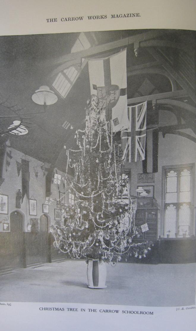 christmas-tree-in-carrow-schoolroom-02