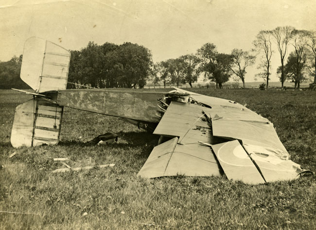 Feltwell, Sopwith Camel aeroplane crash in 1916