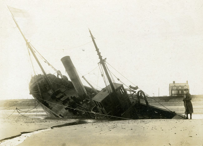 Great Yarmouth, soldier guarding the wreck of the SS 'Corcyra'